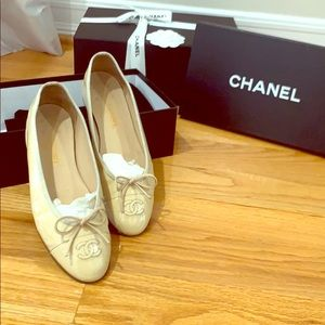CHANEL Ballerina Flats 38.5 Patent Nude.Authentic
